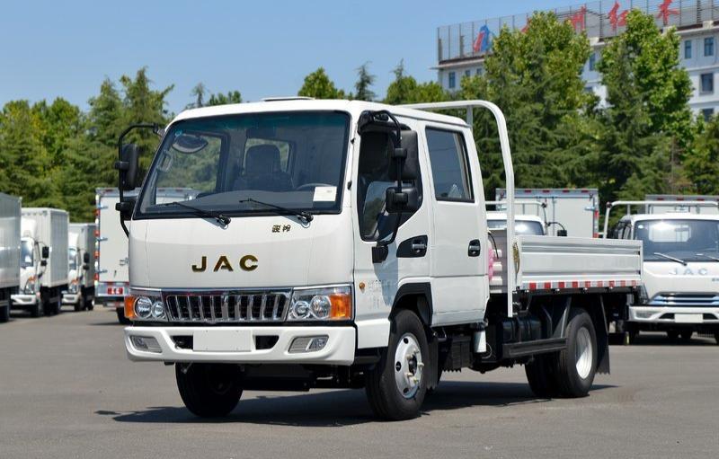 江淮 骏铃E3 130马力 3.2米双排载货车